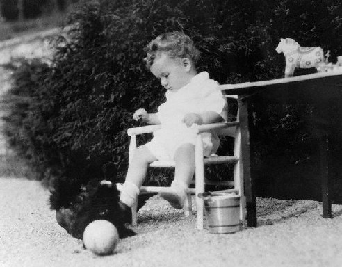 lindbergh_baby_photo_19321.jpg