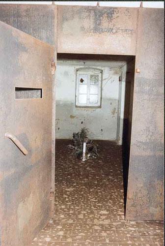 sonnenstein-gas-chamber.jpg
