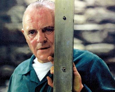 """Ο Anthony Hopkins, ως Hannibal Lecter, στο """"κλουβί"""" του, στη """"Σιωπή των Αμνών"""""""