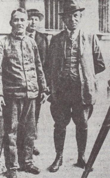 Ο Fritz Haarmann στο προαύλιο των φυλακών, περιμ�νοντας την εκτ�λεσή του