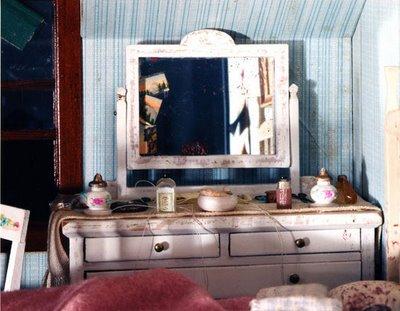 Blue-Bedroom-(dresser)Frances Glessner Lee