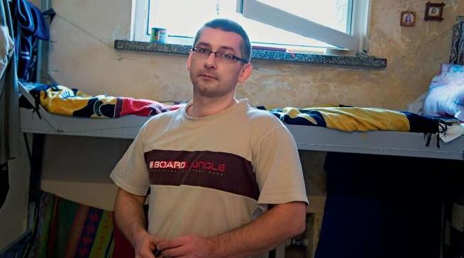 Ο Krystian Bala στο κελί του