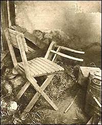 Υπόστεγο φύλαξης καυσόξυλων, όπου ανακαλύφθηκαν δύο πτώματα