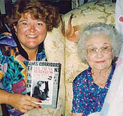 H Jana Bommersbach με την Winnie Judd