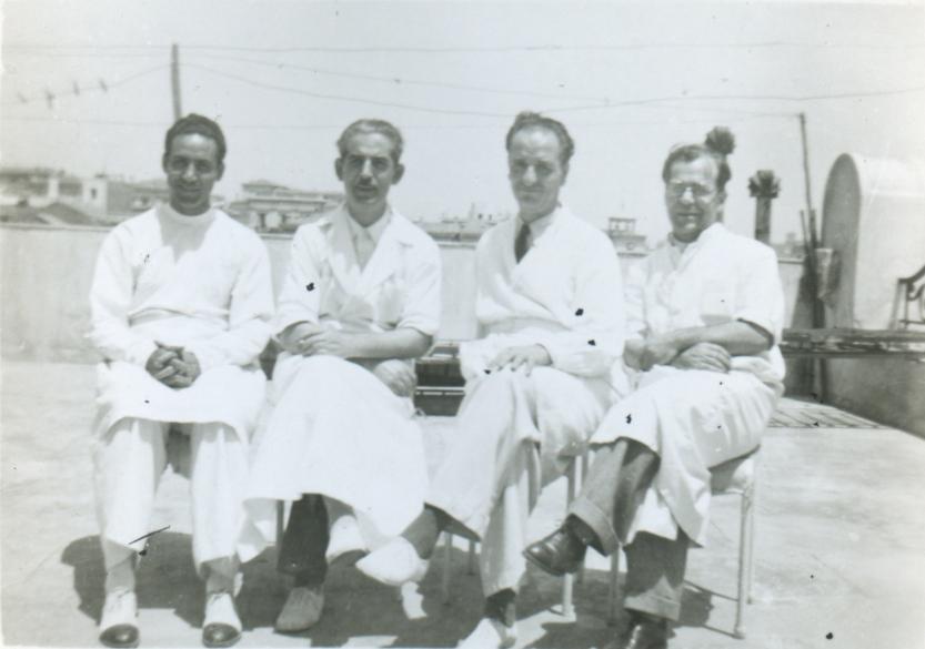 Ο Γρηγόρης Λαμπράκης με συναδέλφους του