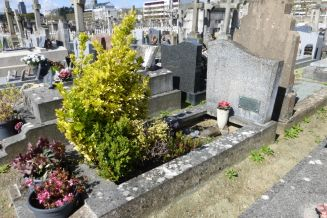 Ο τάφος της μητέρας των Papin στην Nantes, όπου πιστεύεται πως είναι θαμμένη και η Léa