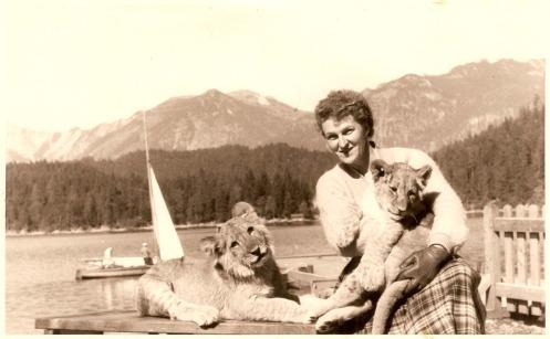 H Hermina Braunsteiner στο Eibsee της Γερμανίας, το 1957